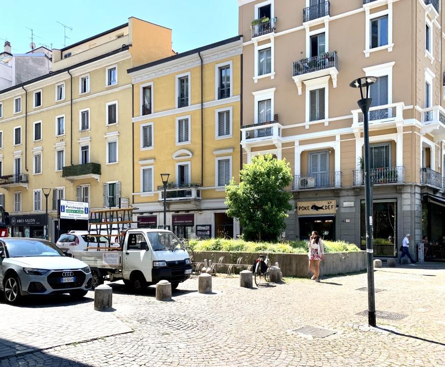 Tre locali in via Luigi Canonica